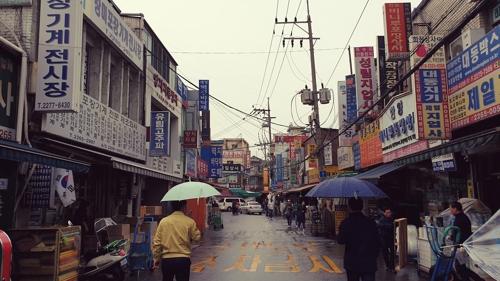서울 마천루 속 삶의 현장…을지로 골목 유람기
