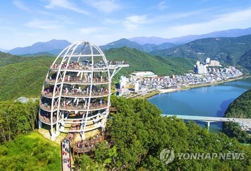 '단양 랜드마크' 만천하스카이워크 2년 이용객 154만명