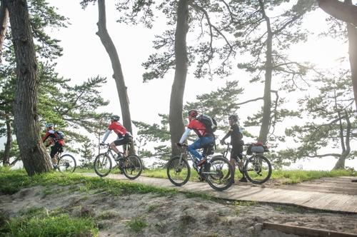 자전거 타며 섬 풍광 만끽…신안 사이클링 10월 개최