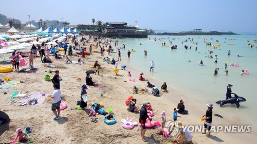 [#꿀잼여행] 제주권: 쪽빛바다가 부른다…여름해수욕장 22일부터 줄줄이 개장