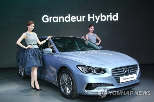 (LEAD) Hyundai Grandeur Hybrid adds solid green credentials to lineup