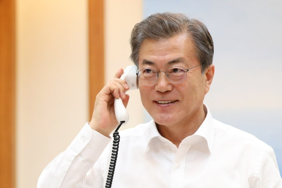 This photo provided courtesy of the presidential office Cheong Wa Dae shows South Korean President Moon Jae-in during his telephone conversation with U.S. President Donald Trump on Jan. 4, 2018. (Yonhap)