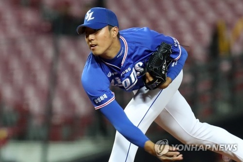 In this file photo from March 28, 2018, Choi Chung-yeon of the Samsung Lions throws a pitch against the Kia Tigers during the bottom of the seventh inning of a Korea Baseball Organization regular season game at Gwangju-Kia Champions Field in Gwangju, 330 kilometers south of Seoul. (Yonhap)