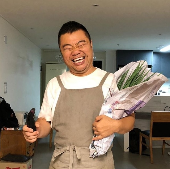 This photo provided by comedian Jeong Jong-chul shows him smiling in his home. (Yonhap)