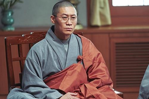 "This image of actor Jin Seon-kyu from ""Svaha: The Sixth Finger"" is provided by CJ Entertainment. (Yonhap)"