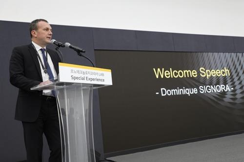 In this photo provided by Renault Samsung Motors on May 15, 2019, the company CEO Dominique Signora speaks at a press conference at Renault Technology Korea in Yongin, south of Seoul. (Yonhap)