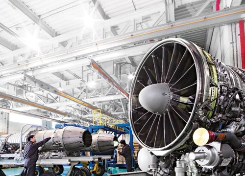 (LEAD) Hanwha signs US$300 mln deal to buy U.S. aircraft engine maker EDAC
