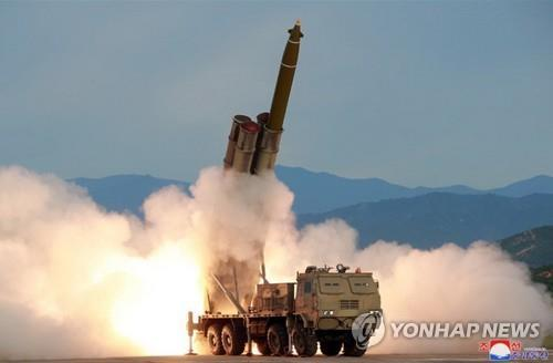 (6th LD) N. Korea fires short-range projectiles toward East Sea: JCS