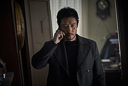 "A scene from ""Ashfall"" provided by CJ Entertainment (PHOTO NOT FOR SALE) (Yonhap)"