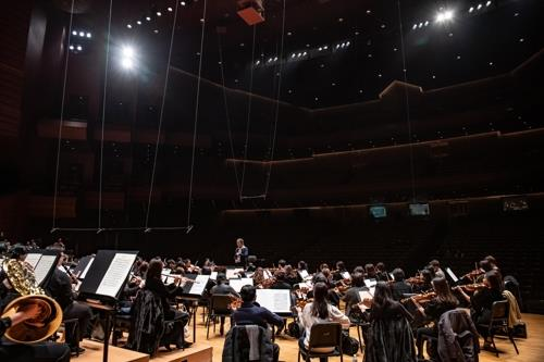 This photo of Seoul Philharmonic Orchestra was provided by the orchestra. (PHOTO NOT FOR SALE) (Yonhap)