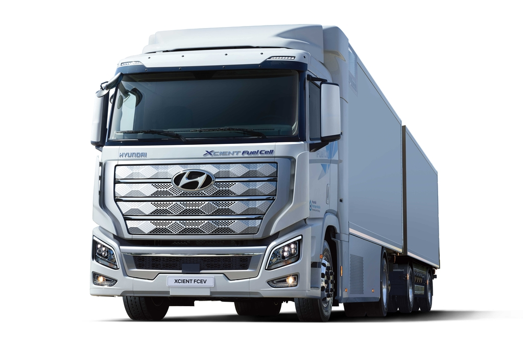 This file photo provided by Hyundai Motor shows the XCIENT Fuel Cell hydrogen truck. (PHOTO NOT FOR SALE)(Yonhap)