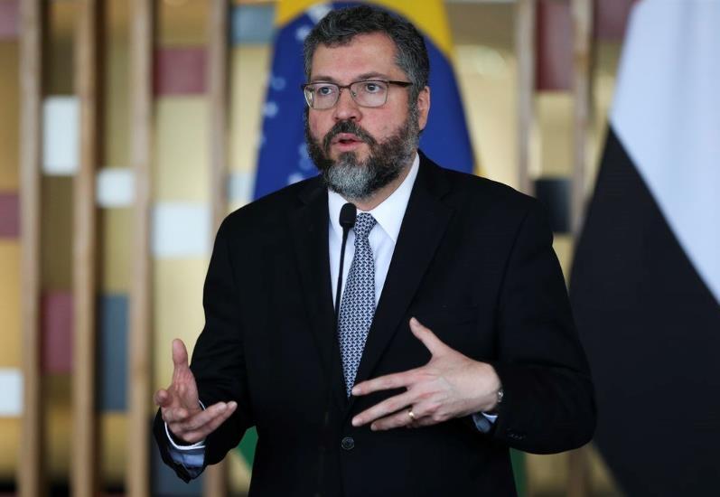 """브라질 외교, 또 中 견제 발언 """"협상은 해도 양보는 안할 것"""""""