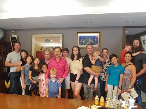 미국 교포 김용구씨, 17명 대가족 이끌고 '뿌리찾기' 여행