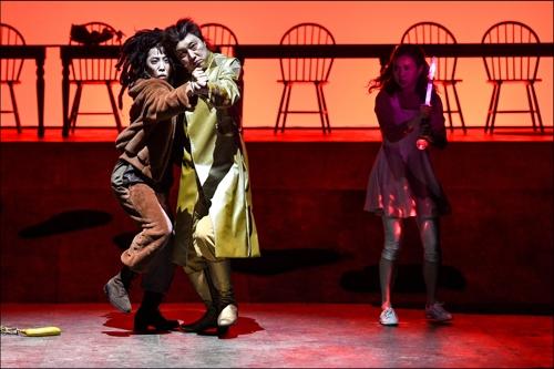 춤추는 오랑우탄과 프로스페로