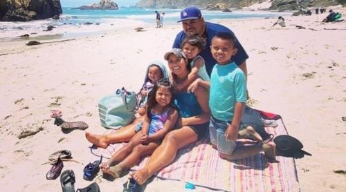 코로나로 숨진 미국 캘리포니아주 부부와 남은 어린 자녀들