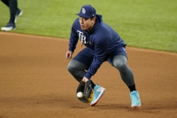 (LEAD) Rays' Choi Ji-man pulled for pinch hitter in World Series loss to Dodgers