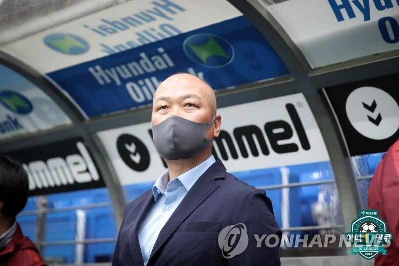 This file photo provided by the Korea Professional Football League on May 12, 2020, shows Kim Tae-wan, head coach of the K League 1 club Sangju Sangmu, during a match against Ulsan Hyundai FC at Ulsan Munsu Football Stadium in Ulsan, 415 kilometers southeast of Seoul. (PHOTO NOT FOR SALE) (Yonhap)