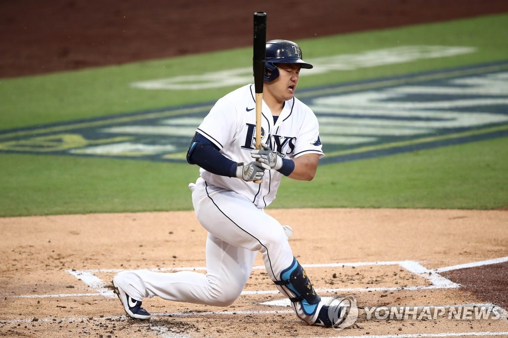 In this Getty Images photo, Choi Ji-man of the Tampa Bay Rays fouls a ball off his foot against the Houston Astros during the bottom of the first inning of Game 7 of the American League Championship Series at Petco Park in San Diego on Oct. 17, 2020. (Yonhap)