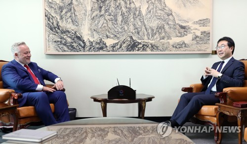 S. Korean nuclear negotiator discusses N. Korea with Sweden's special envoy