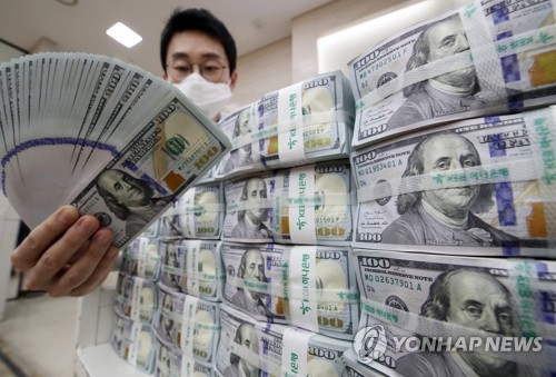 Korea's money supply grows by record amount in April