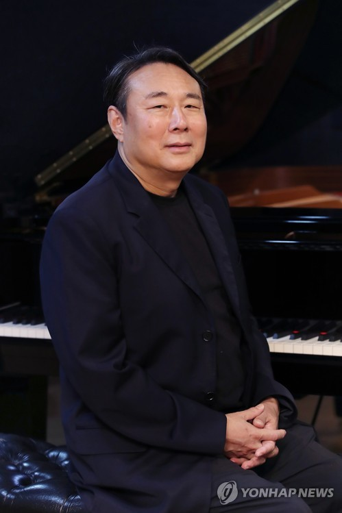 S. Korean pianist gives interview